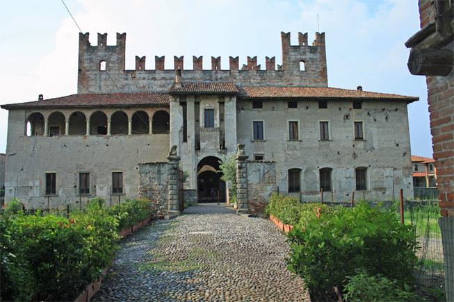 Тур по страшным замкам Италии