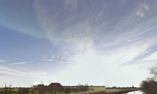 Google Earth зафиксировал НЛО в Австралии (3 фото)