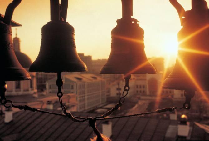 Чудотворный колокольный звон (4 фото)