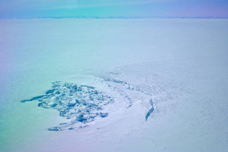 В Гренландии пропали два подледных озера и быстро тают ледники