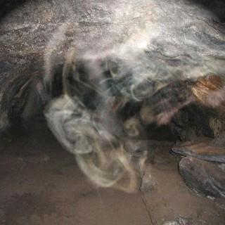 Призраки пещер: Аномальное явление или нарушение психики?