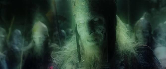 Когда духи древних захоронений мстят незваным гостям (3 фото)