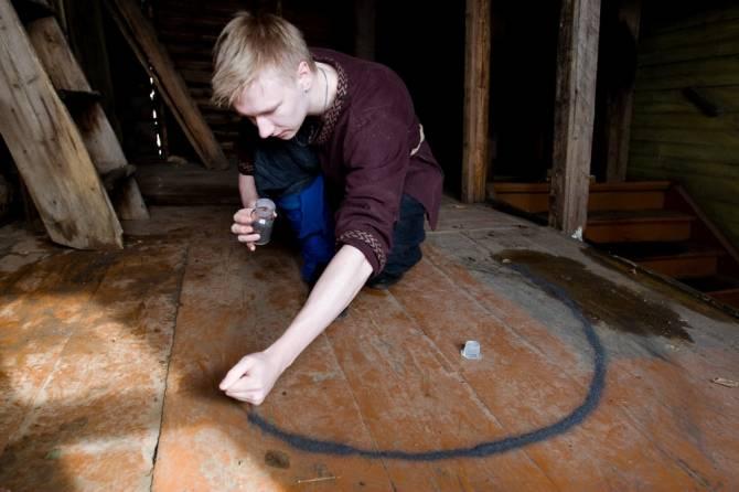 Тайна магического круга (2 фото)