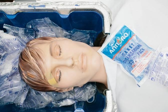 Как замораживают людей для оживления в будущем (6 фото)