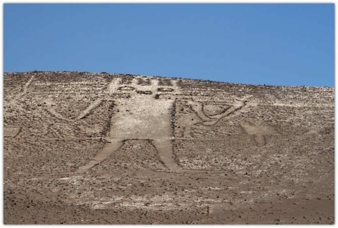 Зачем в древности по всему миру создавались огромные геоглифы? (10 фото)