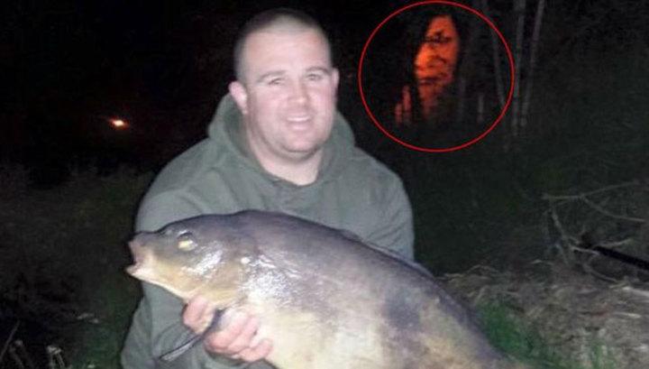 Британский рыбак уверен, что на его фото попал призрак озера