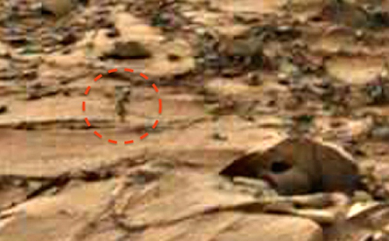 "На фото с Марса углядели крошечного ""гномика"" (3 фото)"