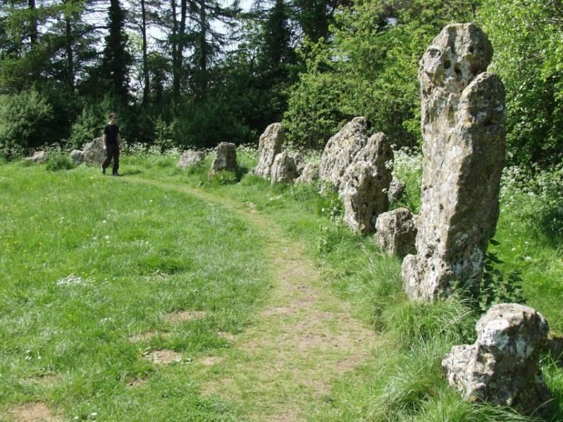 Каменное кольцо Роллрайт Стоунс (9 фото)