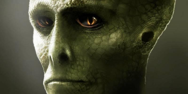 Вместо людей женщина видит вокруг себя уродливых рептилий