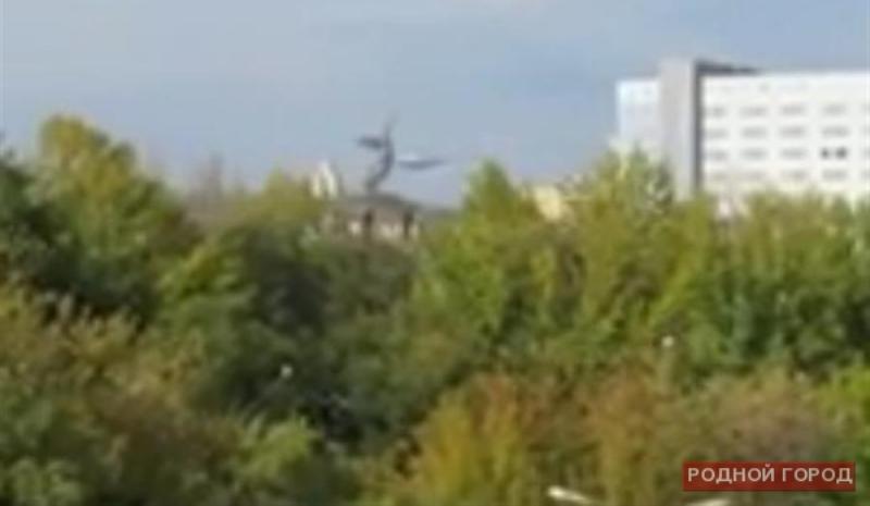 В небе над Волгоградом активизировались НЛО? (4 фото)