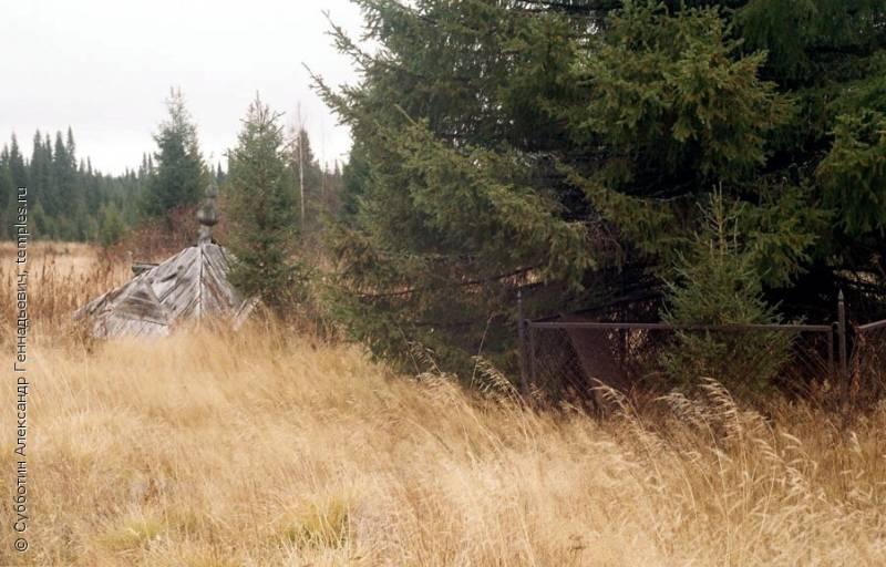 Тайна исчезнувшей деревни Растесс (4 фото)