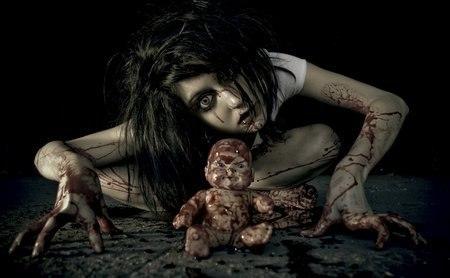Почему люди любят смотреть фильмы ужасов? (2 фото)