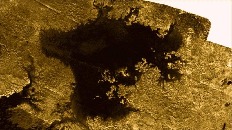 """""""Волшебный остров"""" на Титане (6 фото)"""