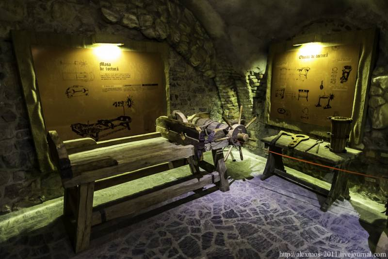 Двенадцать главных мистических мест Европы (24 фото)