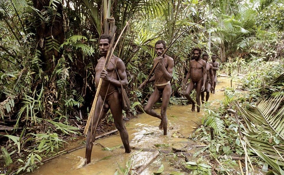 Сексуальный обряд у папуасов