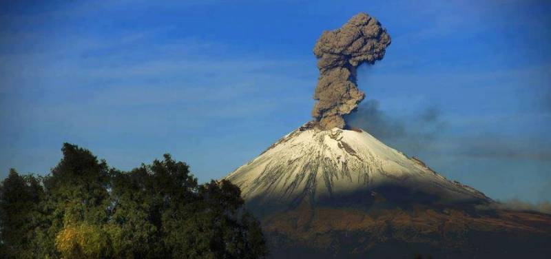 Почему вулканы привлекают НЛО? (+Видео)