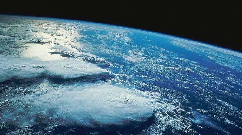 Земля первая и пока единственная во вселенной из обитаемых миров?