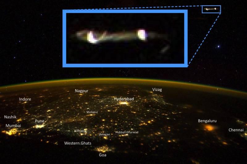 Фото астронавта НАСА вызвало споры об НЛО (2 фото)