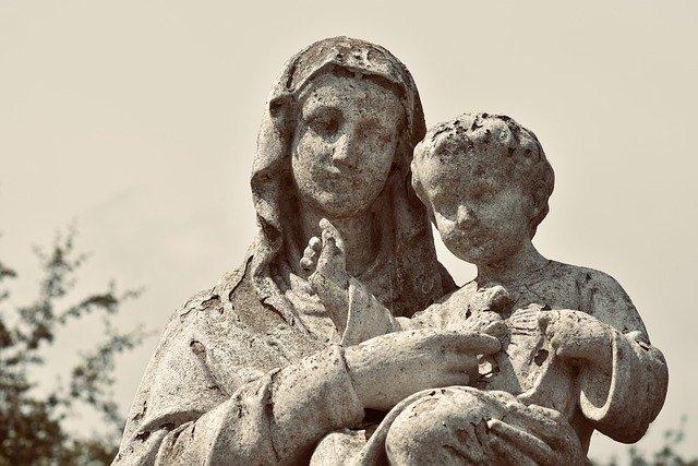 Загадка непорочного зачатия (3 фото)