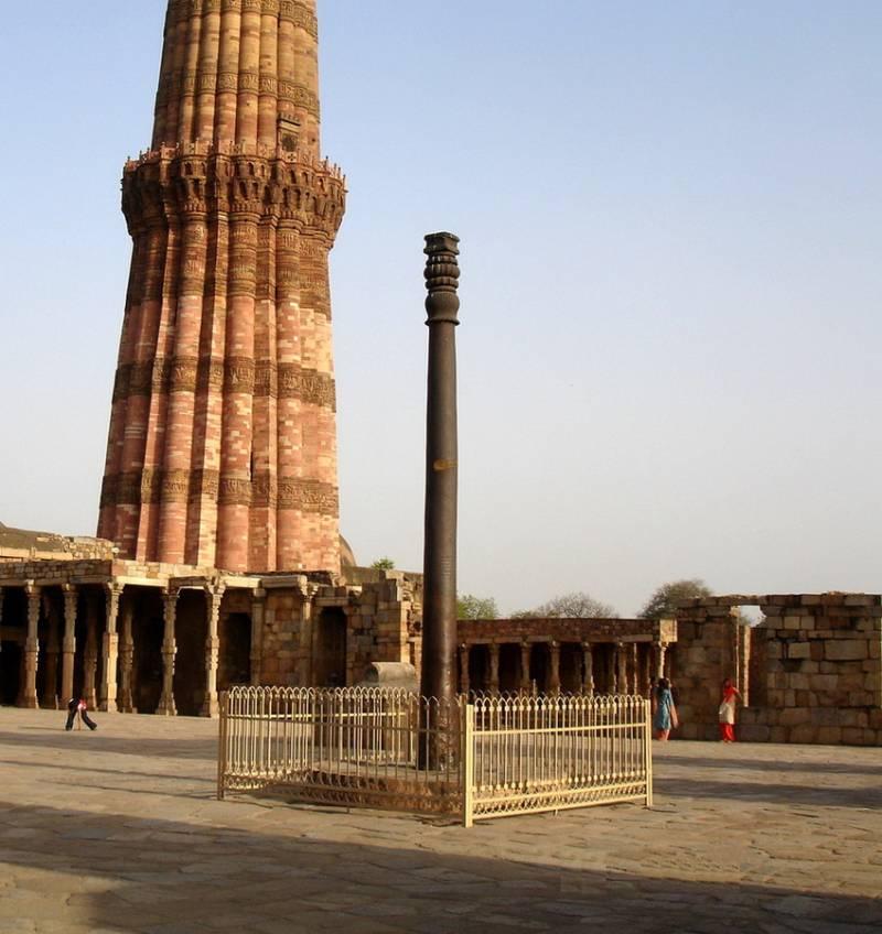 Загадка индийской железной колонны (4 фото)