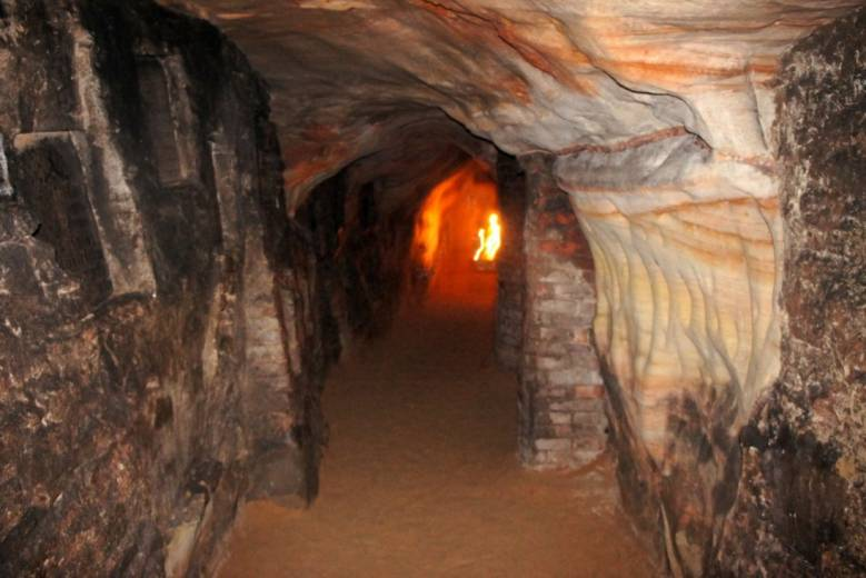 Тайны захоронений в Псково-Печерском монастыре (4 фото)