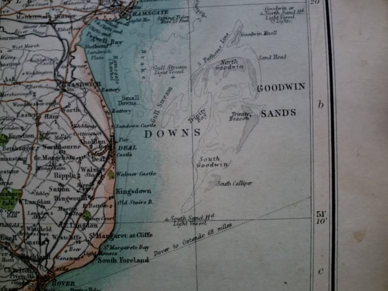Коварные пески Гудвина пожирают корабли (5 фото)