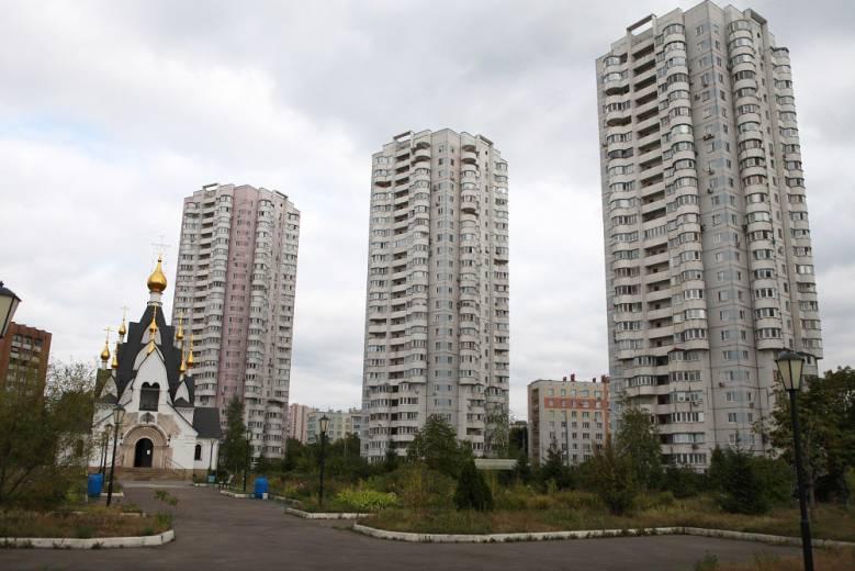 «Белые тени» на улице Гурьянова (2 фото)