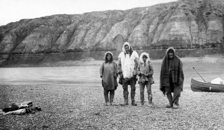 Загадка пропавшего поселения эскимосов на берегах озера Ангикуни (3 фото)