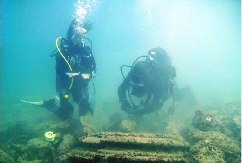 """""""Подводный город"""" у греческого острова Закинф построили ...микробы?  (6 фото)"""