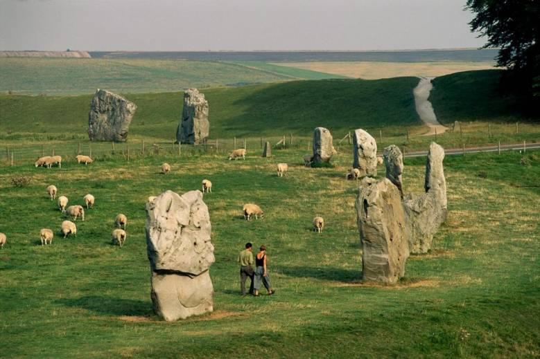 Гипотезы: Мегалиты это нечто большее, чем просто камни (4 фото)