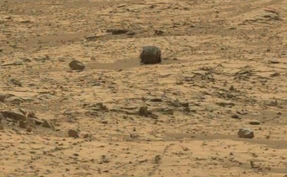 На Марсе найден металлический артефакт
