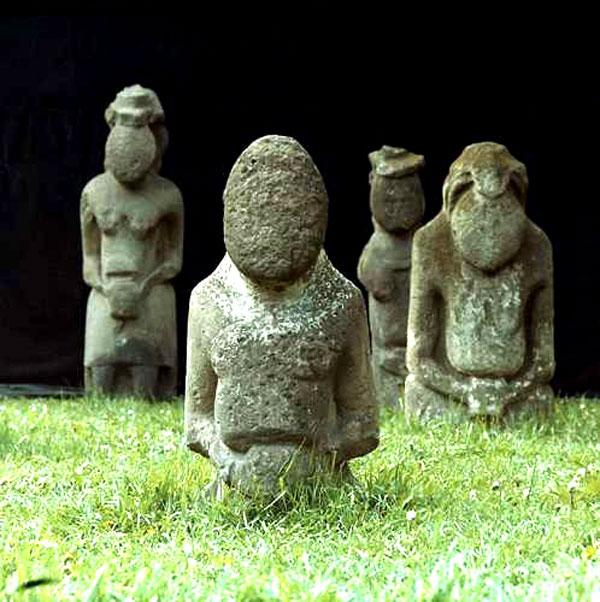 фото каменные бабы