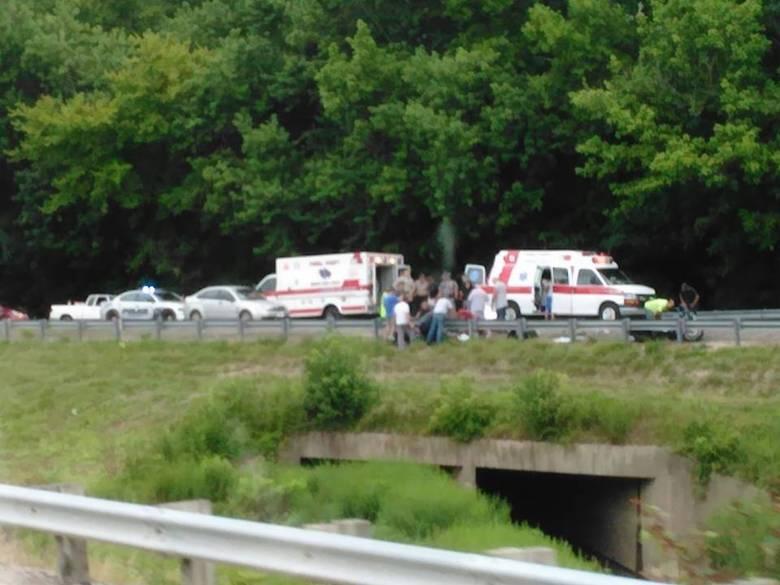 Водитель из Кентукки заснял душу погибшего в ДТП мотоциклиста? (2 фото)