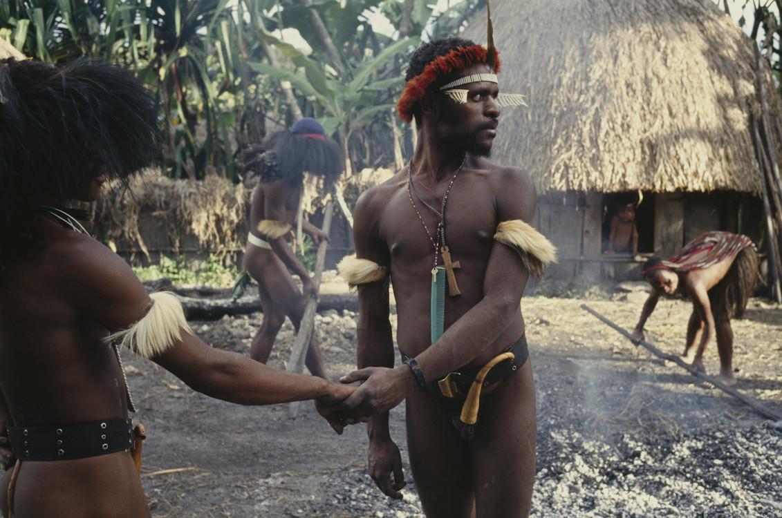 Секс в племенах западной папуа видео онлайн
