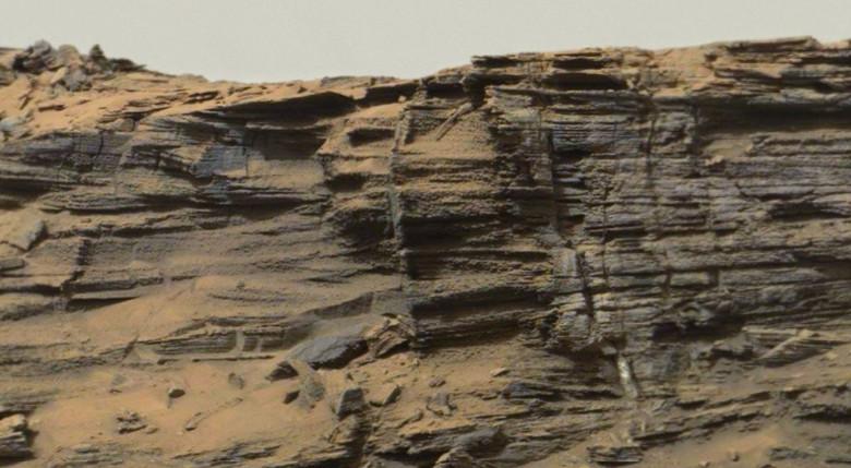 """На снимке с Марса обнаружили """"хвост ящерицы"""""""