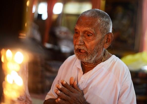 Индийский монах заверяет, что прожил уже 120 лет (8 фото)