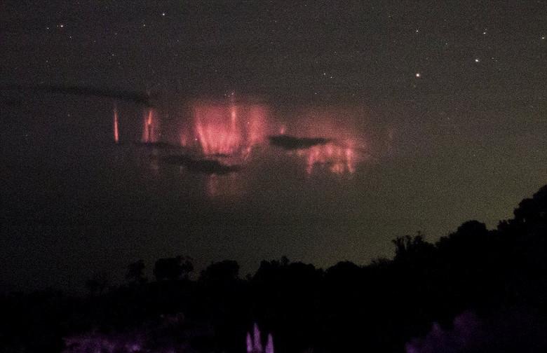 В Пуэрто-Рико засняли редчайшее атмосферное явление - спрайты (4 фото)