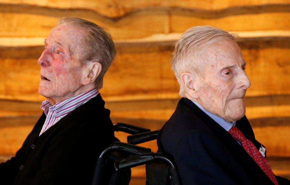 Самые старые близнецы в мире делятся секретами долголетия