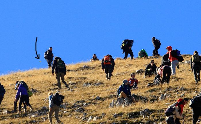 На горе Люботен в Косово турист заснял орб-НЛО (2 фото)