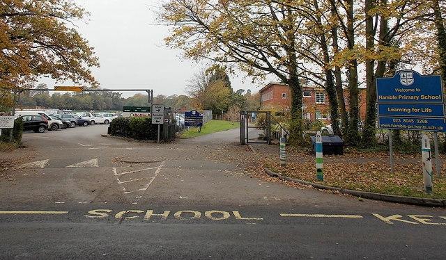 Призраки старинных английских школ (2 фото)
