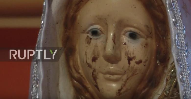 В Аргентине статуя Девы Марии заплакала кровавыми слезами (+видео)