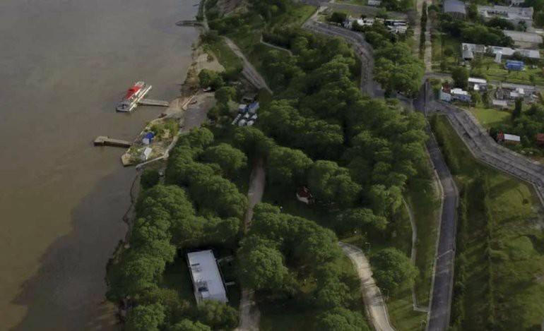 В Парагвае 13-летний подросток внезапно телепортировался на несколько кварталов (2 фото)