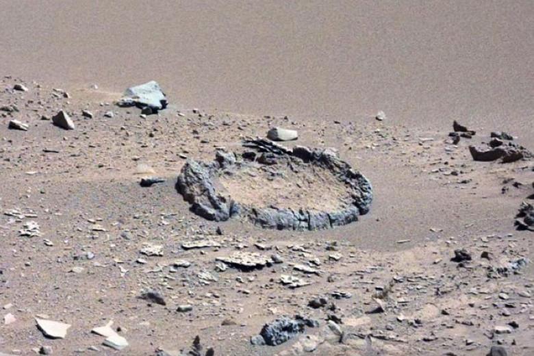 На фото с Марса найдены необычные каменные круги (4 фото + видео)
