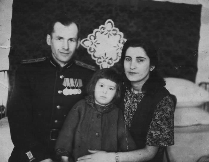 Житель Жирновска Евгений Гайдучок был путешественником во времени из Будущего? (5 фото)