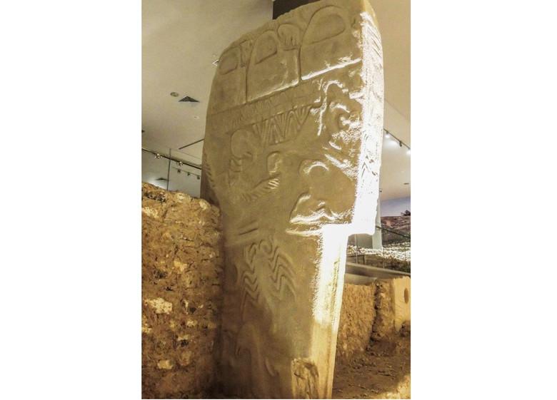 Новая загадка Гёбекли-Тепе: Археологи нашли там человеческие черепа, украшенные неизвестными узорами (4 фото)