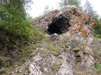 Тайны пещеры Сидячего скелета