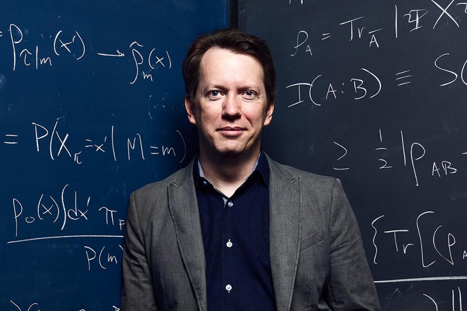 """""""Там нет ничего"""": Американский физик уверен, что жизни после смерти не существует"""