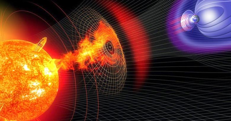 «Новая вероятная супервспышка на Солнце отрубит все компьютеры и реакторы на Земле»  (2 фото)