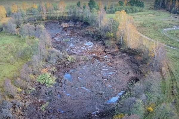 Во Владимирской области озеро со всей рыбой внезапно ушло под землю за несколько часов