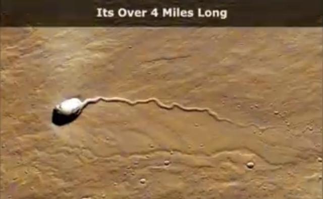 На фото с Марса найден огромный белый объект, похожий на сперматозоид (6 фото + видео)